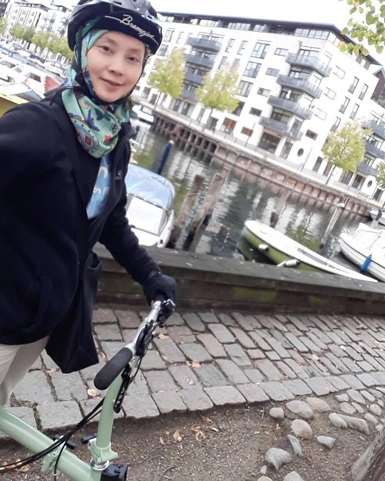 Sepeda lipat akan menambah seru perjalanan solo traveling anda. Anda tidak memerlukan transportasi lainnya selama perjalanan. Yang pasti level coolness anda pun meningkat tajam 😁😁