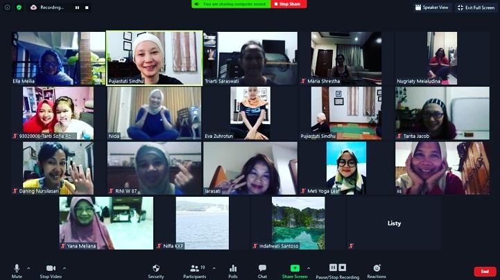 Kelas grup yoga online alumni Wanita Teknik Kimia ITB ( Tekanita )